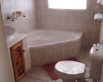 Karee-Full-Bathroom